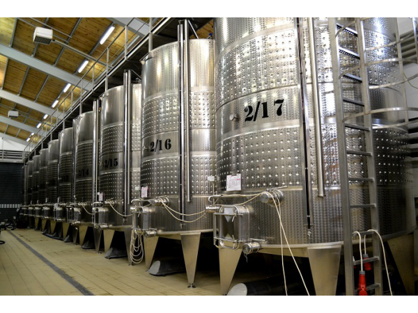 Megjelent a borászati gépek, technológiai berendezések beszerzéséhez igényelhető támogatásról szóló rendelet